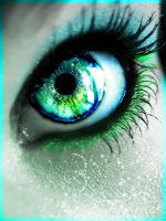 sparkle eye by tullesbrunette