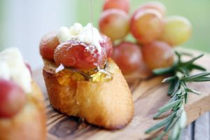 Crostini 4 by laurenjacob