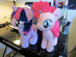 Look who came in the mail! by EROCKERTORRES
