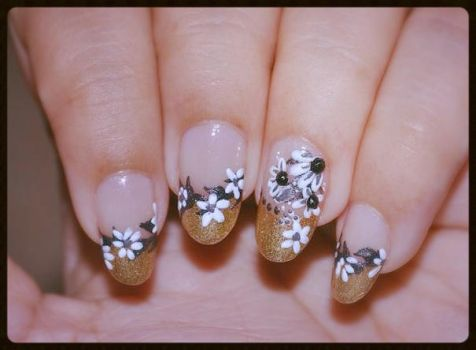 Nail Art White Flowers on Gold Tips by Gorgeousnails