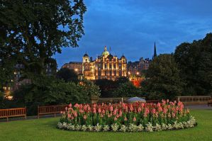 Edinburgh by Night by AgiVega