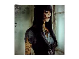 Emo zombie girl by mopofearth on deviantart for Mirror zombie girl