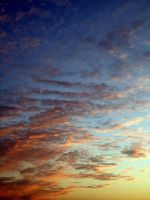 Beautiful sky by Hannekee