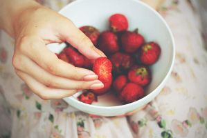 strawberry by IceAmi