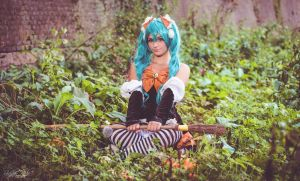 Vocaloid - Halloween Miku by Muralu