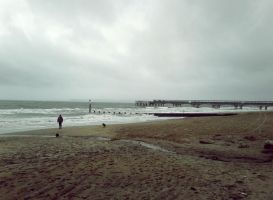 Boscombe Pier - Boxing Day 2012 by paters87