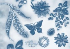 045 - Brooch by Stockudith