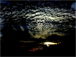 -The clouds fill the sky- by Lintu79
