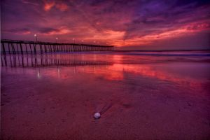 Sunrise at the Pier by gursesl
