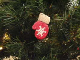 Mitten Ornament by EdElricsGirl