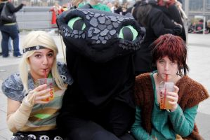 The HTTYD Crew take a break by TheEmpiresGuild