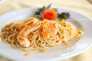 Spaghetti with shrimp by piyato