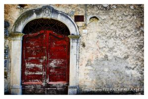 Doorway, Carapelle by PicTd
