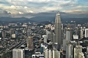Petronas Towers by pegeffs