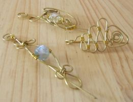wire wrap brooches by Craftcove