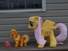 18 inch Fluttershy Plushie by eebharas