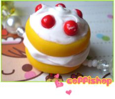 Creamy puff cake by coffishop