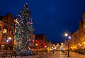 Christmas tree in Gdansk by poweredjj