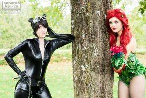 CatWoman and Poison Ivy by LeonardoFoto