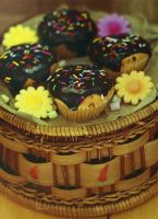 Chocolate Layered Sponge Cup Cakes by daxxbondoc