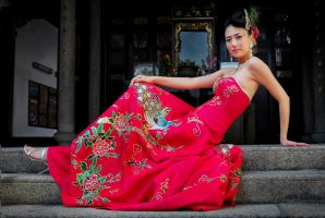 women in red by SAMLIM