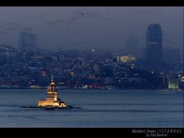 Maiden's Tower by sinademiral