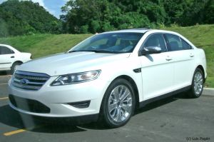10' Ford Taurus for XJK by Mister-Lou