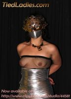Loolove : taped and not going to the ball. by PhMBond