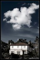 an old house by edgarliborio