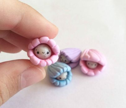 Pearls in Clams Charms :3 by AlphaChoconess95