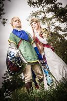 Link and Zelda by laurasstarlight