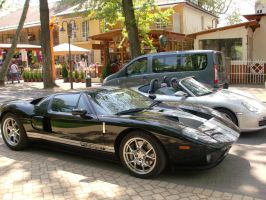 Ford GT vs Porchse Carerra by Mate397