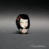 Hand painted girl brooch by 1anina