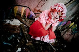 Flandre 01-Being stuck down here is booooring. by Ishiguro-Rika