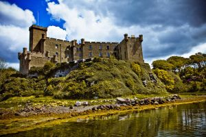 Dunvegan Castle by derekbeattieimages