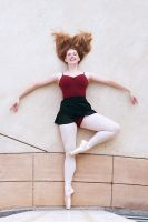 En Pointe... by HowNowVihao