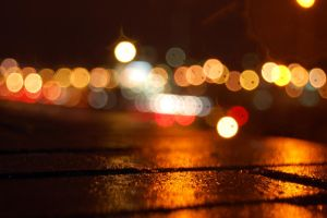 Lights in thge rain by Fleurf