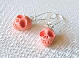Pink Skull Earrings by Madizzo