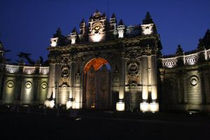 palace gates by carchar0th