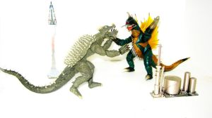 Anguirus X Gigan: An articulated toy battle by XxHXCLIONxX
