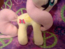 here a other pic of fluttershy by XxTOxiCfoX5555551xX