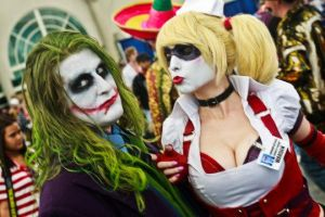 Come on Puddin'! Just a little smooch. by Mistress-Quinzel