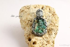 Shell Goddess by Tuile-jewellery