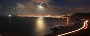 Moonrise over Las Palmas City by Kaslito