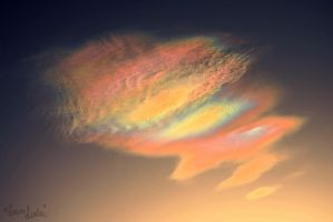 Nacreous Spectrum by FramedByNature