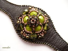 Olive-bronze leather bracelet by moonsafaribeads