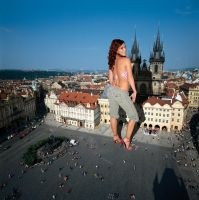 Giantess in Prague by Accasbel