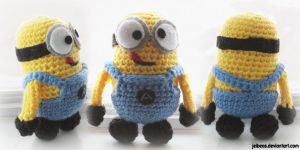 Minion- side, front, and back by jeibeas