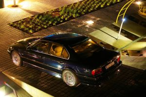Bmw e38 at night II by ShadowPhotography