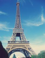 eiffel tower by larkys